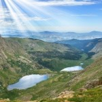 4147348-alpine-vista-from-a-high-vantage-point-looking-down-on-mountain-lakes